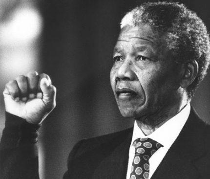 نلسون ماندلا, بیوگرافی نلسون ماندلا, زندگینامه نلسون ماندلا, عکسهای نلسون ماندلا, سن نلسون ماندلا, همسر نلسون ماندلا, فرزندان نلسون ماندلا, تحصیلات نلسون ماندلا, آثار نلسون ماندلا, فعالیت های نلسون ماندلا, واکنش نلسون ماندلا, زندگی شخصی نلسون ماندلا, سوابق پارلمانی, سوابق اجرایی و مدیریتی, سوابق علمی و آموزشی, نتوکو ماسه, وینی ماندلا, گراسا ماشل, نِلسون رولیهلاهلا ماندِلا, نخستین رئیس جمهور آفریقای جنوبی, روز بینالمللی نلسون ماندلا, جوایز ماندلا, افتخارات ماندلا, ماندلا که بود؟, اسطوره آزادی, درگذشت ماندلا, Nelson Mandela, biography