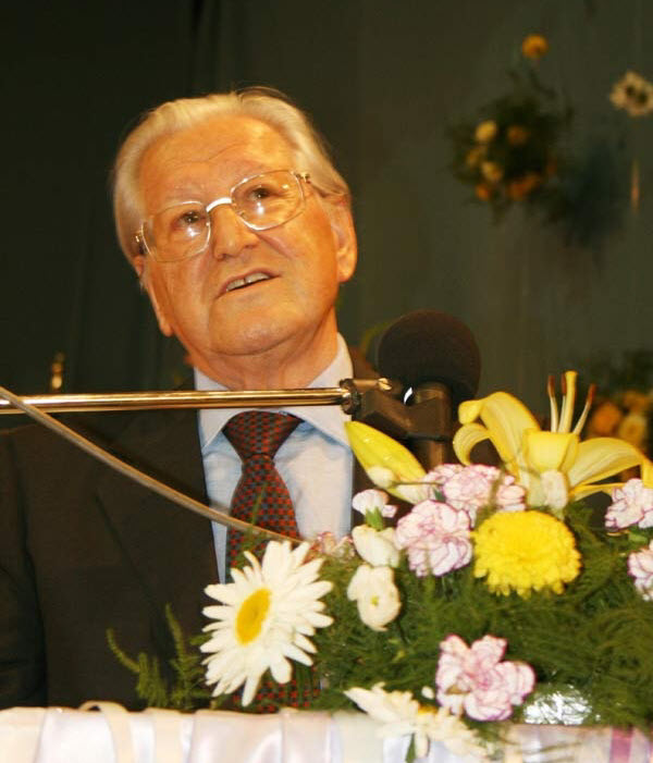 بیوگرافی حسین صادقی