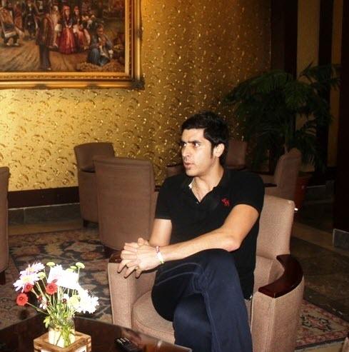 بیوگرافی شهرام محمودی