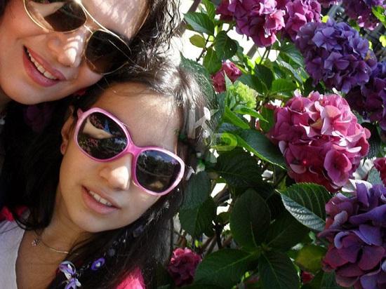 الهام پاوه نژاد و دخترش