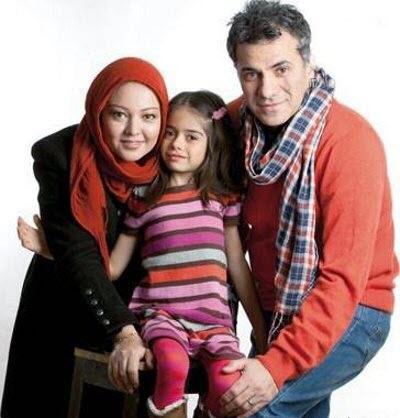 رزیتا غفاری و همسر و دخترش