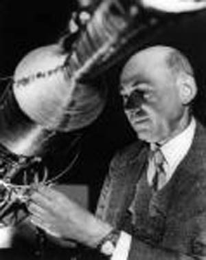 biography on robert goddard essay 2006-12-26  sight unseen has 1,293 ratings and 130 reviews ian said: i've read a few of robert goddard's book now, and to be honest, i find it a bit hit and miss s.