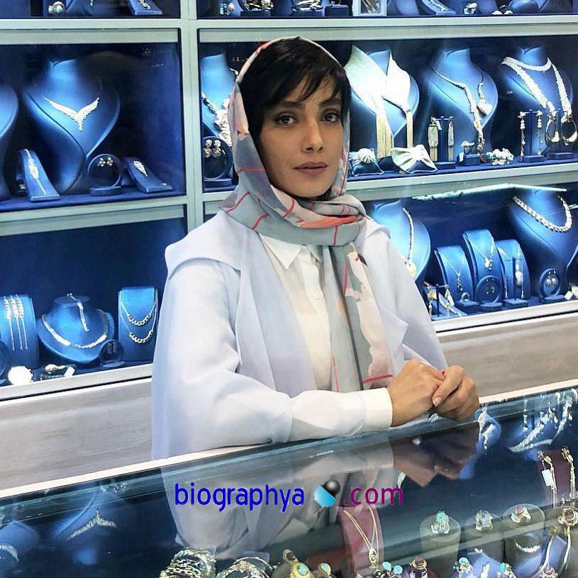 لیلا زارع - بیوگرافی لیلا زارع و همسرش + اسامی کامل فیلم ها و کارهای سینمایی